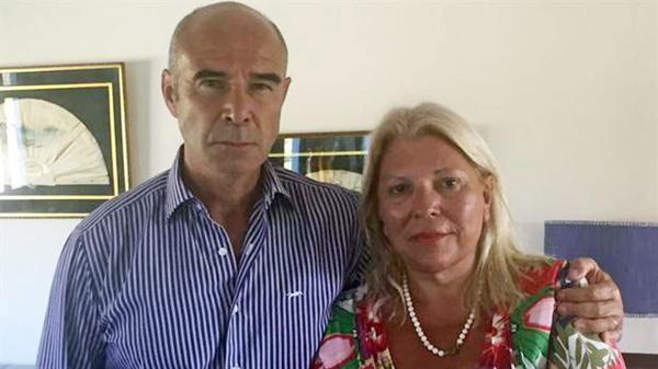 La diputada Carrió respaldó al jefe de la Aduana desplazado