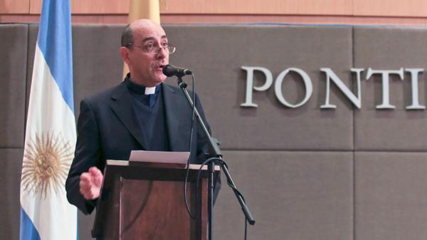 Monseñor Víctor Fernández brindó definiciones sobre el encuentro en el Papa y Macri