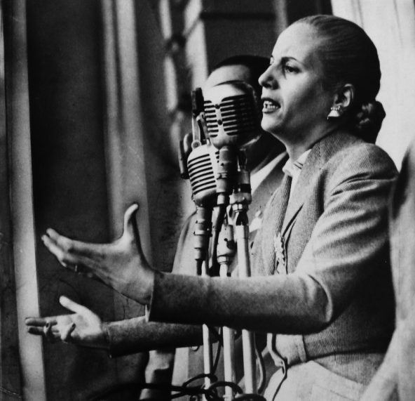 """""""Mi gloria es el escudo de Perón y la bandera de mi pueblo"""", expresó en su último discurso Evita"""