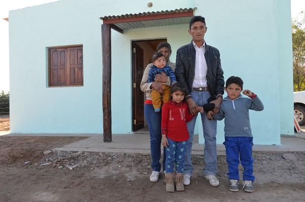 En Ahí Veremos, 24 familias recibieron sus viviendas sociales