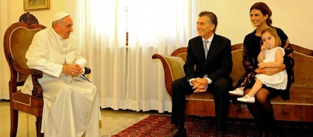 Medios españoles afirman que el encuentro entre el Papa y Macri fue «distante y frio»