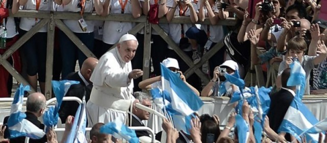 """Se cumplen tres años del Papa haciendo """"lío"""" desde el Vaticano al mundo"""