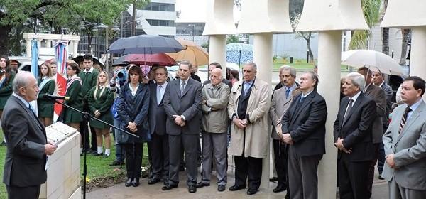 El vicegobernador Neder encabezó el acto por la independencia árabe-siria
