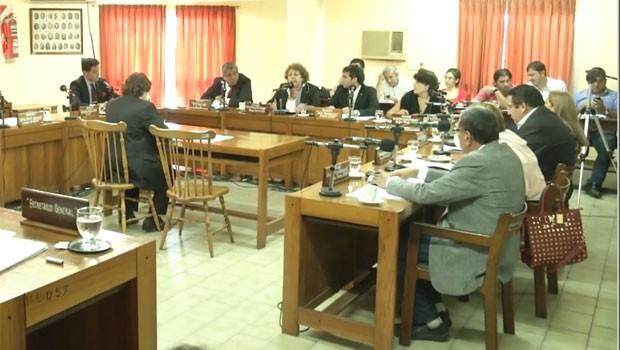 Concejales capitalinos aprobaron el aumento del 35% del boleto y el servicio del radiotaxis