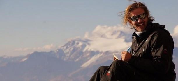 Facundo Arana busca escalar el Everest: «Mi cumbre es volver a casa con mi familia»