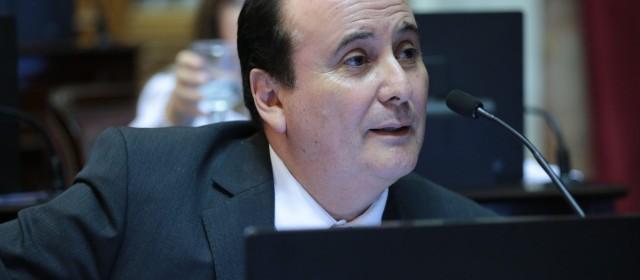 El senador Montenegro votó a favor de la Ley antidespidos