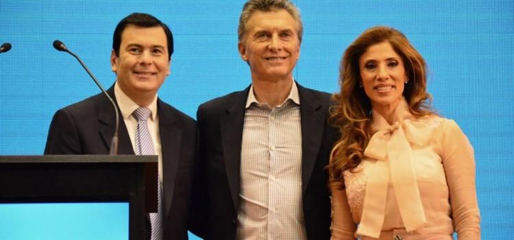 En su visita por Santiago, Macri anunció inversión en infraestructura, visitó obras y se reunió con jubilados