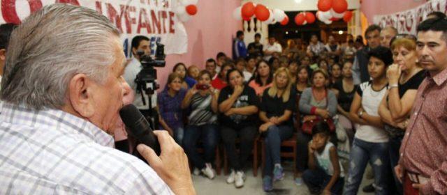 Infante se reunió con vecinos del barrio Siglo XX y se comprometió a mejorar los servicios