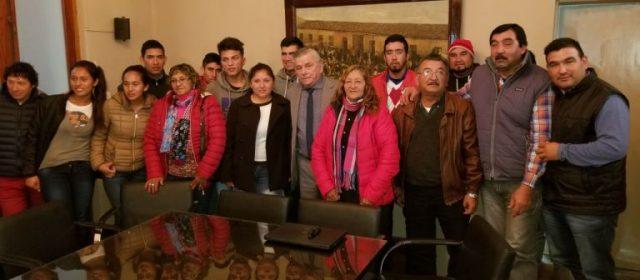 Vecinos de la localidad de Arenales visitaron al Jefe Comunal