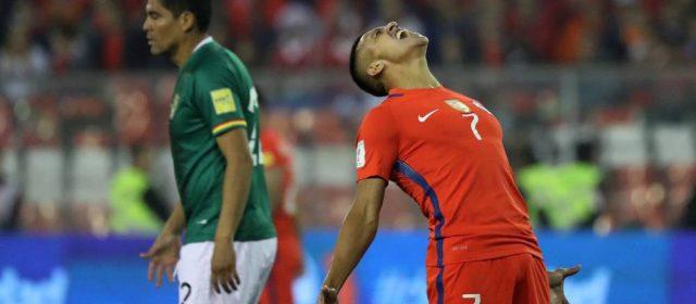 Bolivia se impuso en La Paz en un partido escandaloso y complicó la clasificación de Chile