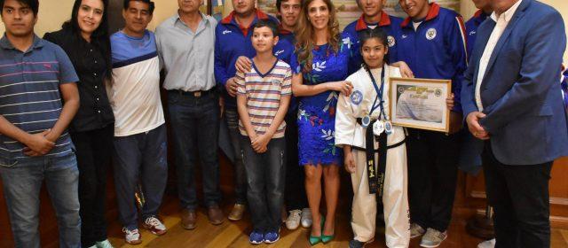 La Gobernadora recibió a deportistas santiagueños