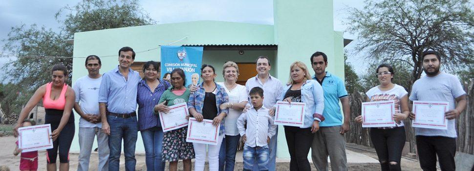 Familias de El Zanjón recibieron viviendas sociales