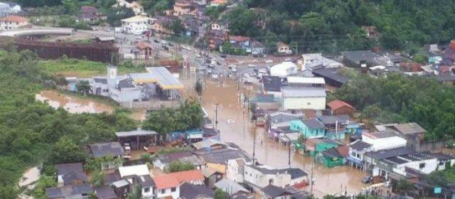 Declaran estado de emergencia en Florianópolis por inundaciones
