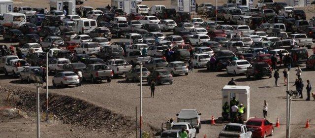Con demoras en la frontera, crece la llegada de argentinos a Chile para ver al Papa