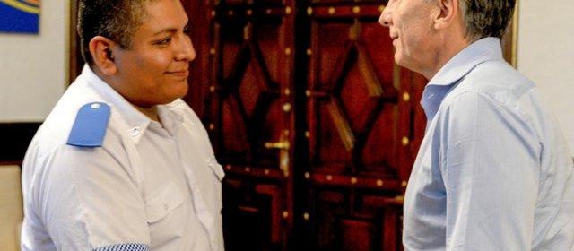 Chocobar: qué dice el instructivo de defensa policial que defiende el Gobierno
