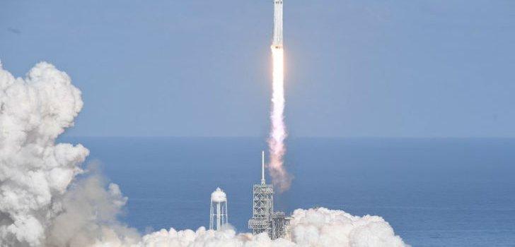 Así fue el lanzamiento del Falcon Heavy, el cohete más potente del mundo