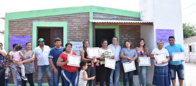 Se entregaron viviendas sociales en Cuatro Horcones