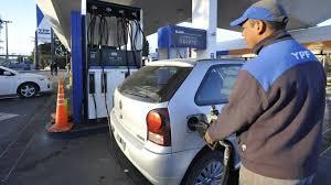 YPF volvió a aumentar la nafta, por segunda vez en quince días