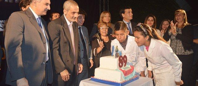 Autoridades del gobierno participaron  del 89° aniversario de la ciudad de Los Juries