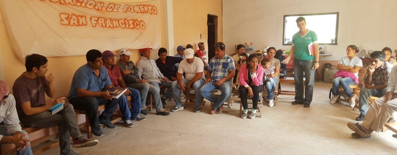 Agricultores familiares juntos a los técnicos se capacitan en la formulación de proyectos productivos