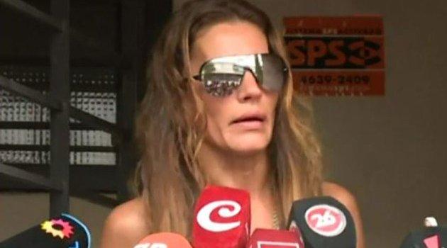 """El llanto de Natacha Jaitt tras el allanamiento: """"No tengo protección, me voy a ir del país"""""""