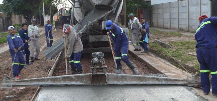 Obra de pavimento en el barrio El Vinalar