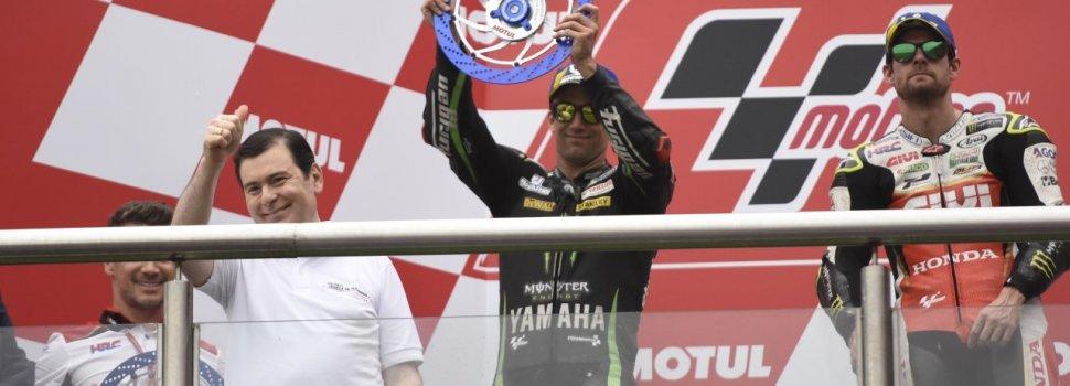 Zamora entrego premio en el podio del Moto GP