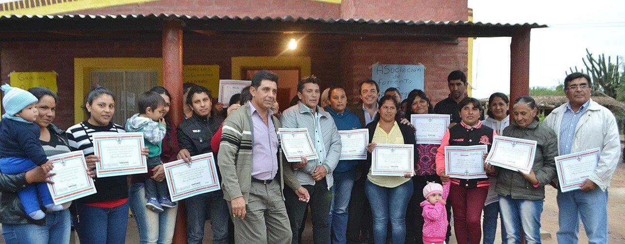 Familias de la localidad de Bajo  Sequeira reciben viviendas sociales