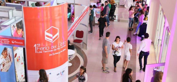 """Exitoso desarrollo de la """"I Feria Municipal  del Libro"""" de Termas de Río Hondo"""