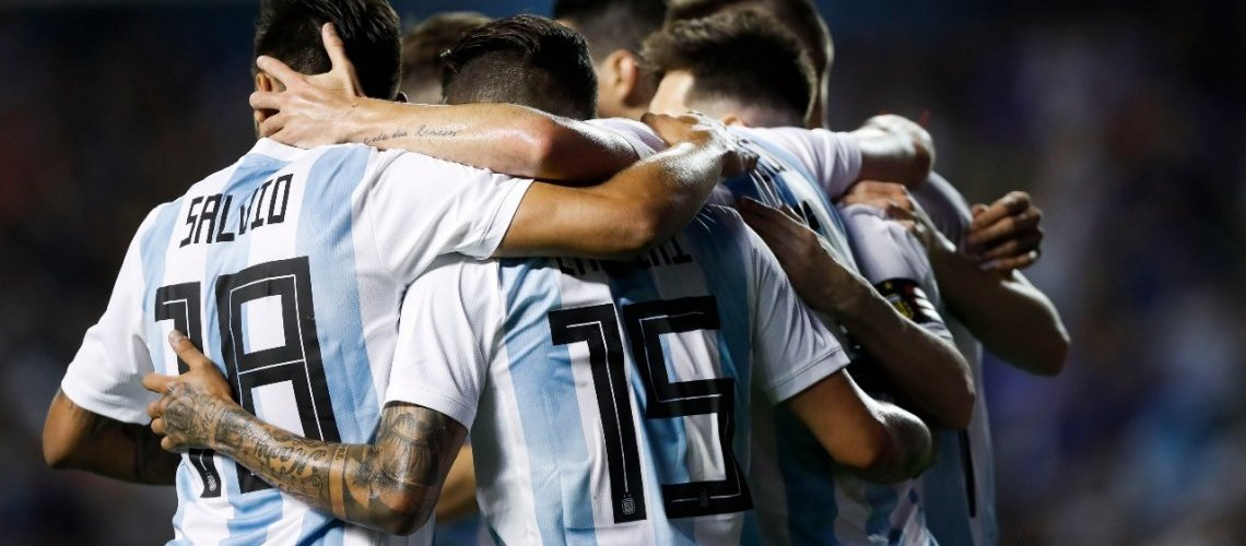 Con tres goles de Messi y uno de Agüero, Argentina golea a Haití en La Bombonera