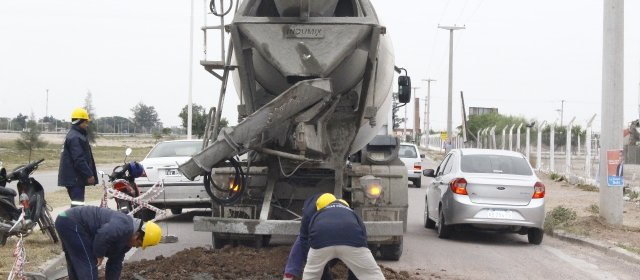 La comuna continúa con trabajos de bacheo en los barrios