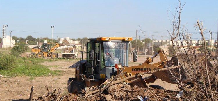 Importante operativo municipal de limpieza en el barrio Vinalar