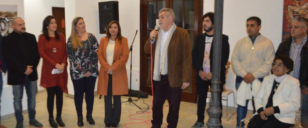Norma Fuentes inauguró la muestra en homenaje al artista santiagueño Mario Martínez