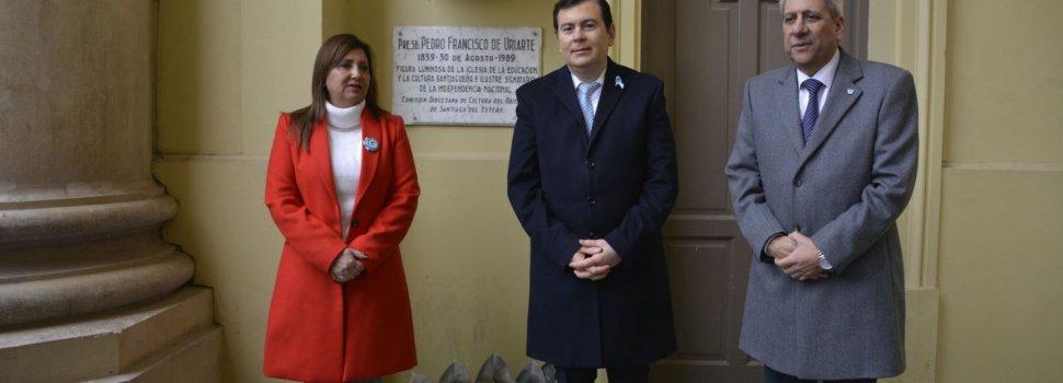 El gobernador Zamora encabezó el acto por  los 202 años de la Independencia de la Patria