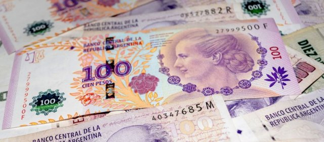 El Banco Central ofreció una tasa de 46,5% y renovó el 75% de las Lebac
