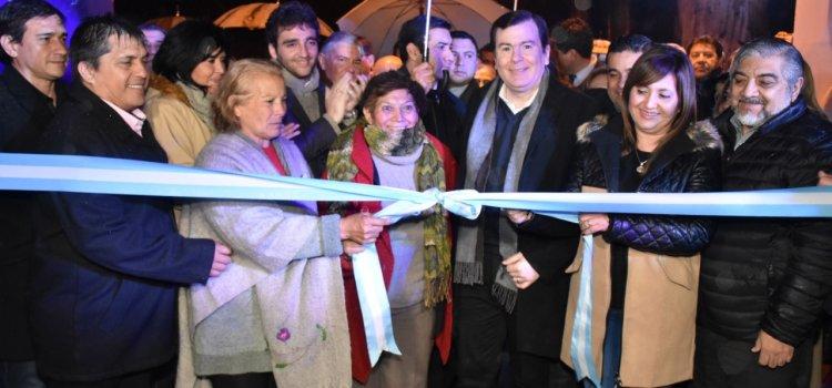 El gobernador Zamora y la intendente Norma  Fuentes inauguraron la Feria Artesanal 2018