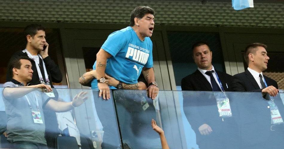 """Maradona le pidió perdón a la FIFA por denunciar un """"robo monumental"""" en Colombia-Inglaterra"""