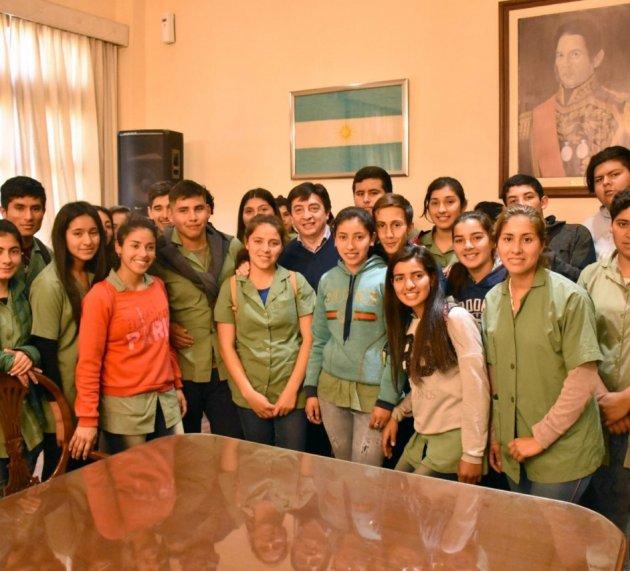 Alumnos del interior de la provincia en casa de Gobierno