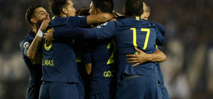 Boca derrota a Libertad con goles de Wanchope Ábila y Mauro Zárate