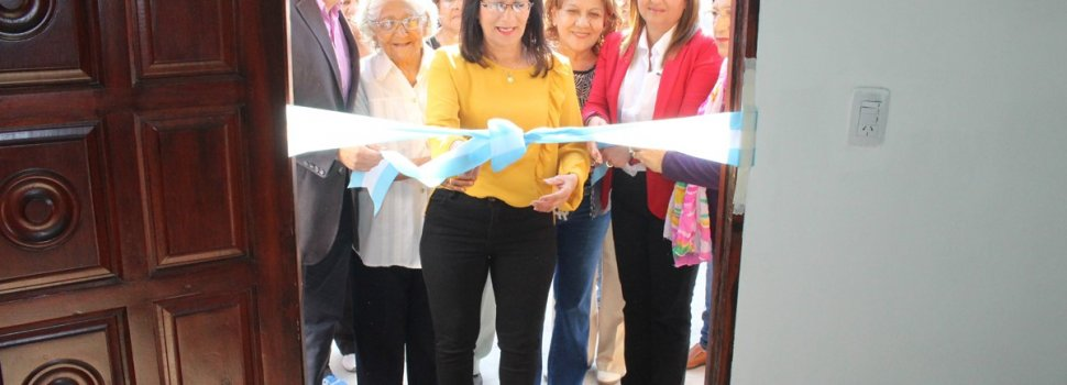 Norma Fuentes participó de la inauguración de un salón en un Centro de Jubilados