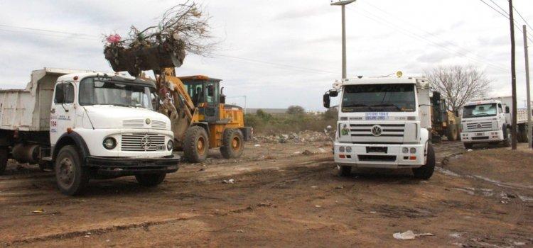 La comuna realizó un operativo de limpieza en el barrio Coesa