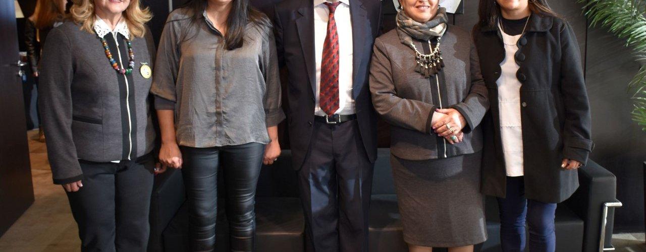 El Gobernador distinguió a docentes santiagueñas