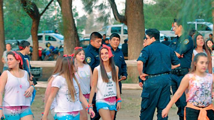 Coordinan acciones por las estudiantinas