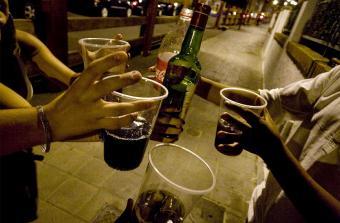 Clausura y desalojo en fiesta clandestina por consumo de alcohol de menores