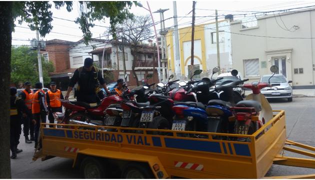 En pocas horas retienen más de 100  motos por infracciones de tránsito