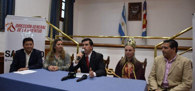 Preselección de jóvenes santiagueñas para  elección de la Reina Provincial de los Estudiantes