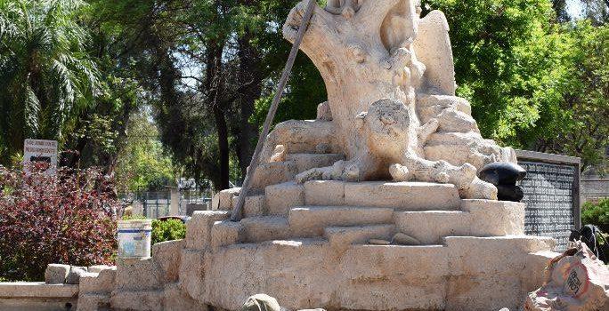 El municipio remodela la emblemática fuente y la escultura del Kakuy