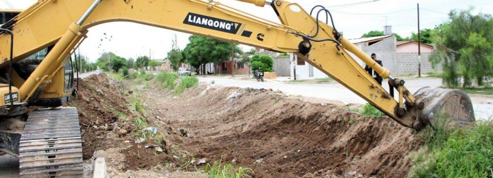 El municipio continúa con la limpieza de desagües en la zona sur