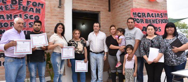 Entrega de viviendas sociales en el Bº General Paz