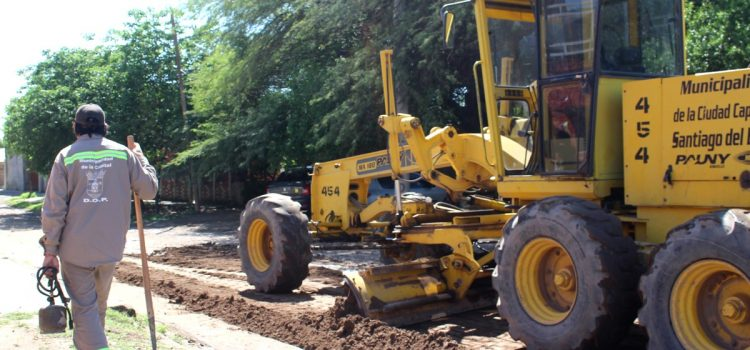La comuna mejora calles de tierra afectadas por el temporal